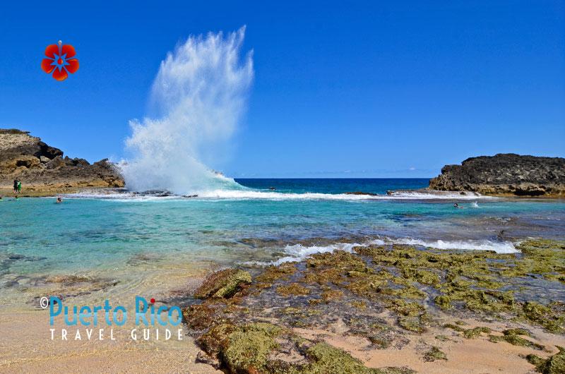 Pozo del Obispo Beach - Puerto Rico North Coast - Best places to visit